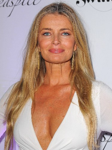 Supermodel Paulina Porizkova Shares a Bare-Faced Selfie—And an Empowering Message About Aging