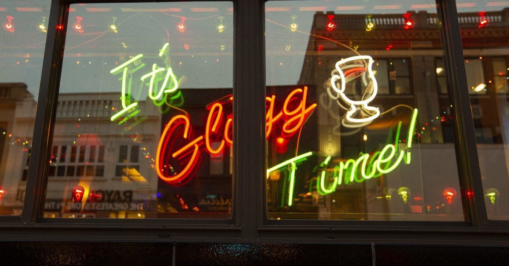 Glogg, a Holiday Tradition at Simon's Tavern, Could Keep the Dive Bar Alive