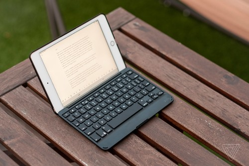 This iPad mini keyboard makes for a surprisingly great tiny laptop