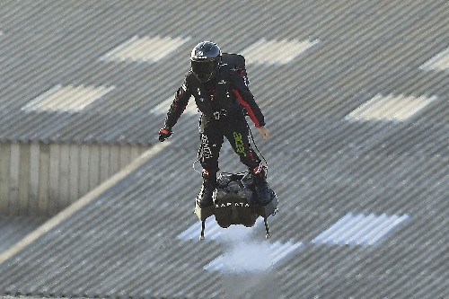 French inventor successfully crosses the English Channel on a hoverboard