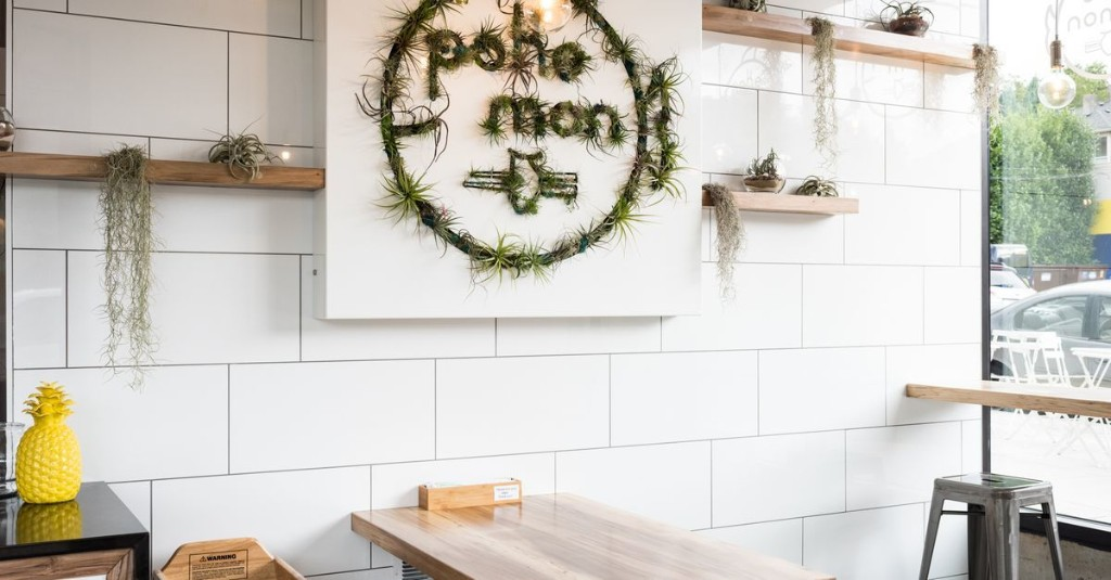 Seafood Spot Poke Mon Closes for Good This Week