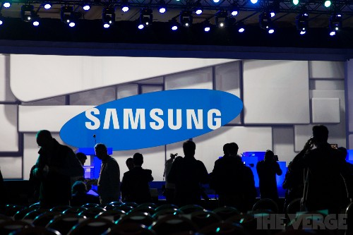 Samsung will focus on better mobile software and futuristic displays after tough quarter