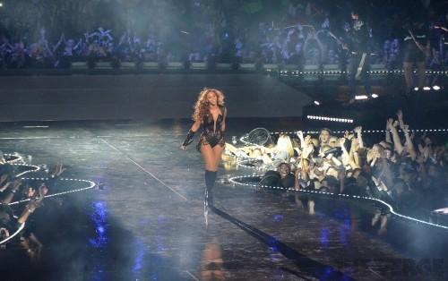Beyoncé releases surprise new album exclusively on iTunes