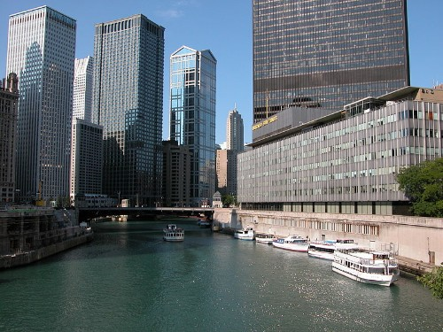 Chicago Sun-Times trains reporters to shoot with iPhones after laying off all its photographers