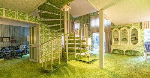 '70s time capsule comes with shocking green interior