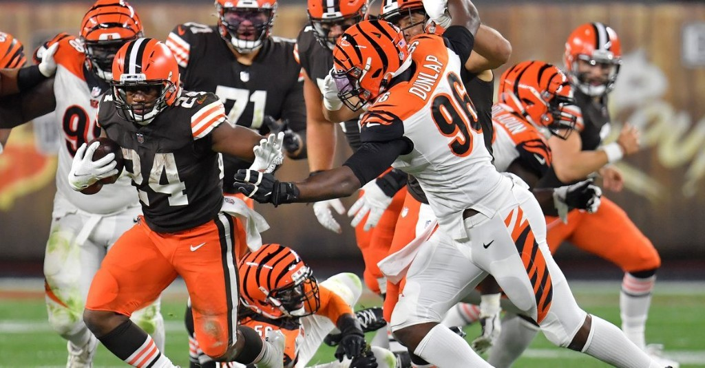 Browns vs. Bengals Final Score: Cleveland's offense comes alive with 35-30 victory