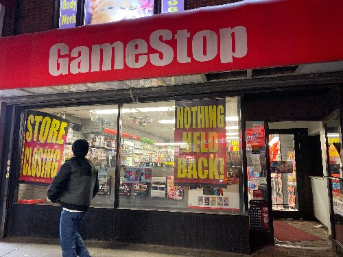 Shopping at GameStop is miserable