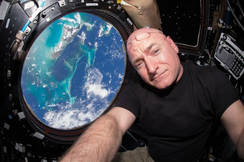 Scott Kelly breaks the record for longest consecutive time in space by a US astronaut