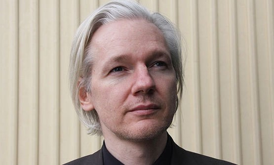 Julian Assange is tracking the movements of 19 spyware contractors