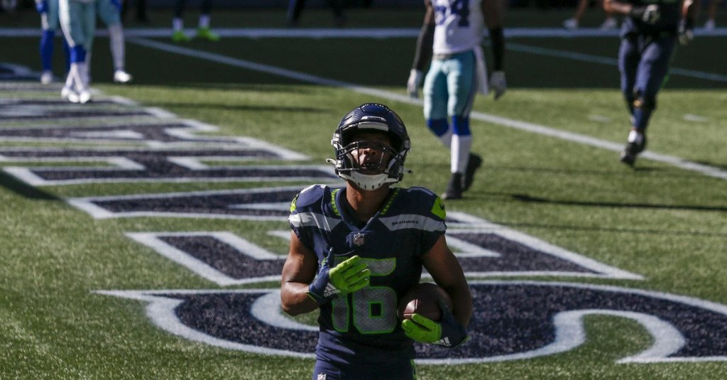 Russell Wilson outduels Dak Prescott in Seahawks' dramatic 38-31 win over Cowboys