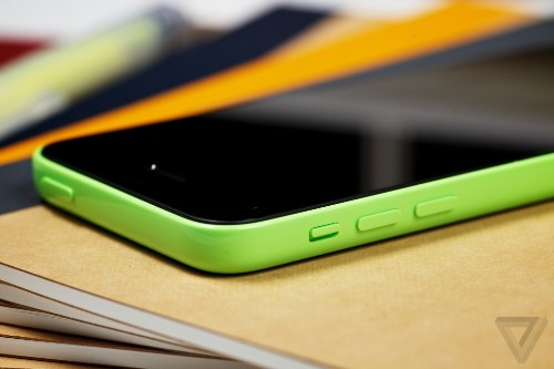 Best Buy puts iPhone 5C on sale for $50 just two weeks after launch