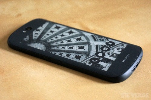 The YotaPhone 2 has two faces, zero gimmicks