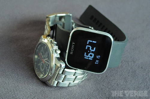 Sony hints a new SmartWatch is coming next week