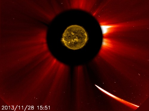 Sun-bound comet ISON may have burned up in spectacular fashion