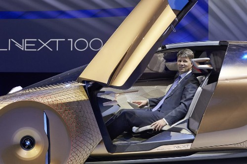 BMW's insane car of the future replaces dashboards with augmented reality