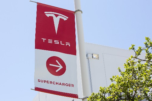 Tesla Superchargers are coming to US restaurant chain Ruby Tuesday