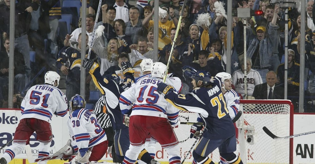 Throwback Recap: Sabres come in clutch, defeat Rangers