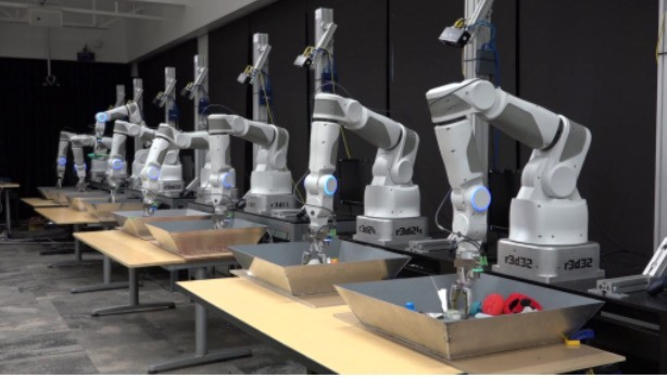Google hooked 14 robot arms together so they can help each other learn