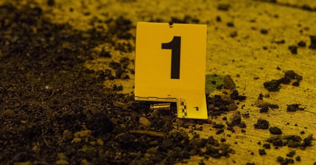 Boy, 17, shot in Ravenswood Manor