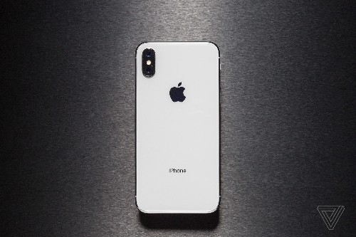 iPhone X review: face the future