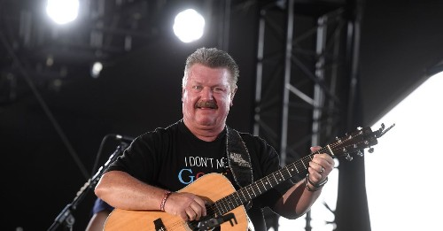 90s Country Music Icon Joe Diffie Dies Due to COVID-19 Complications