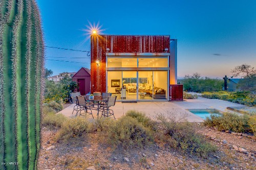 Tiny desert cube house has everything you need for $275K