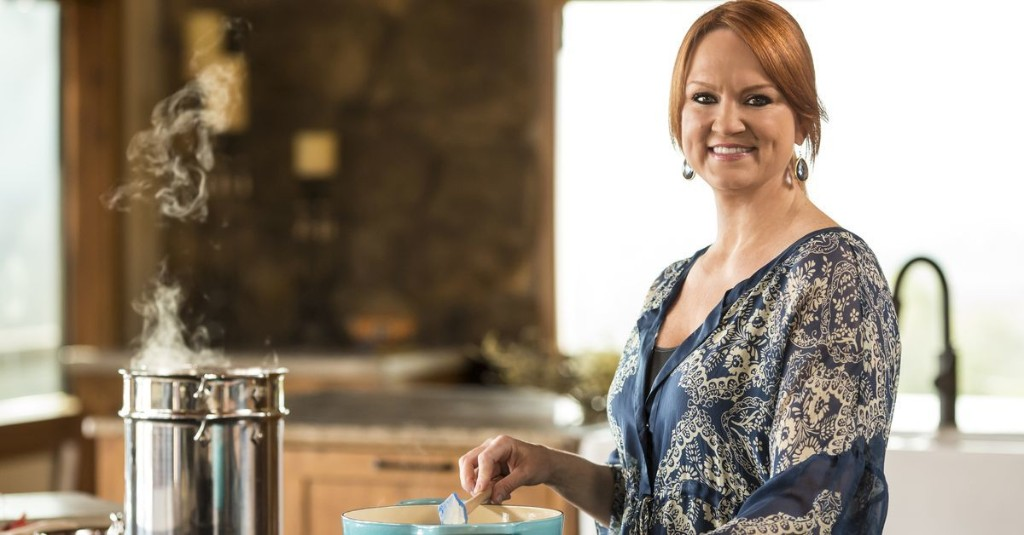 'Pioneer Woman' Ree Drummond talks stretchy 'pandemic pants,' shares BBQ chicken recipe