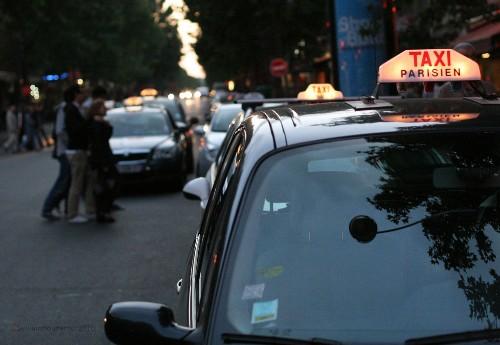 Police raid Uber offices in Paris
