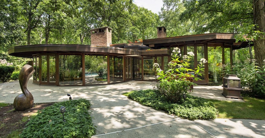 Midcentury modern stunner brings the outdoors in for $799K