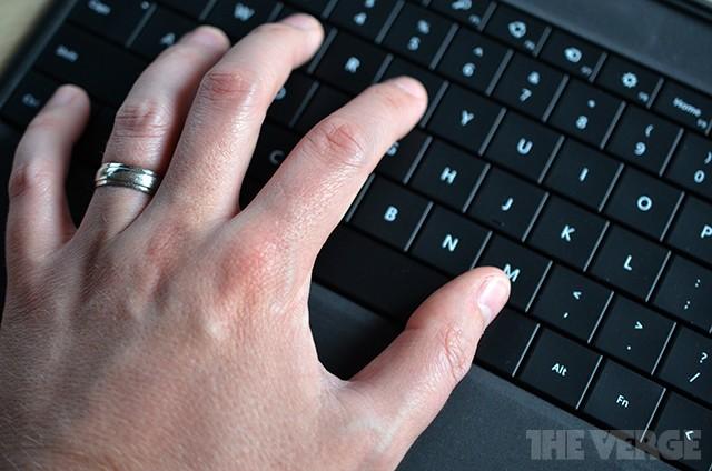 Microsoft builds gesture-sensing PC keyboard