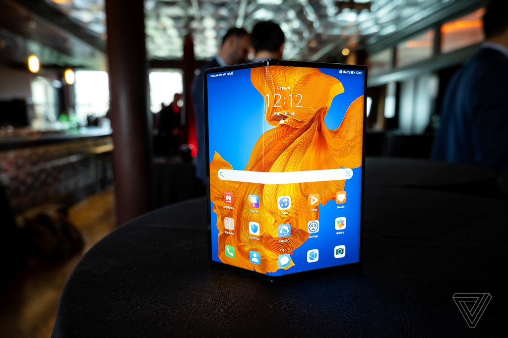 Huawei announces the Mate XS foldable with a more durable display and faster processor