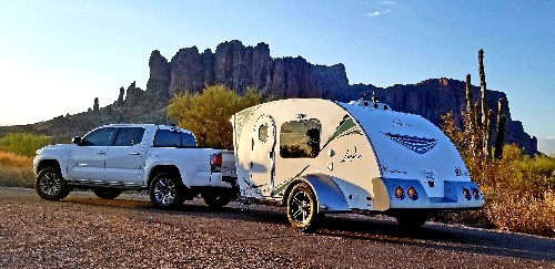 Lightweight camper trailer can be towed by most cars