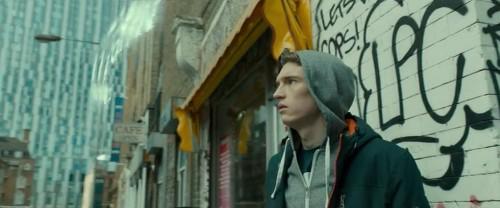 Netflix's iBoy is a boring superhero movie about a teen with a smartphone in his head