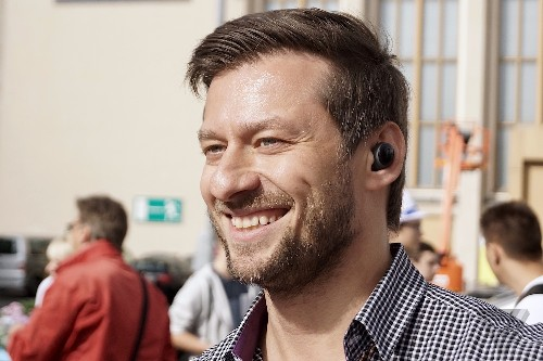 Bragi's Dash, the wireless earbuds of our dreams, aren't up and running yet
