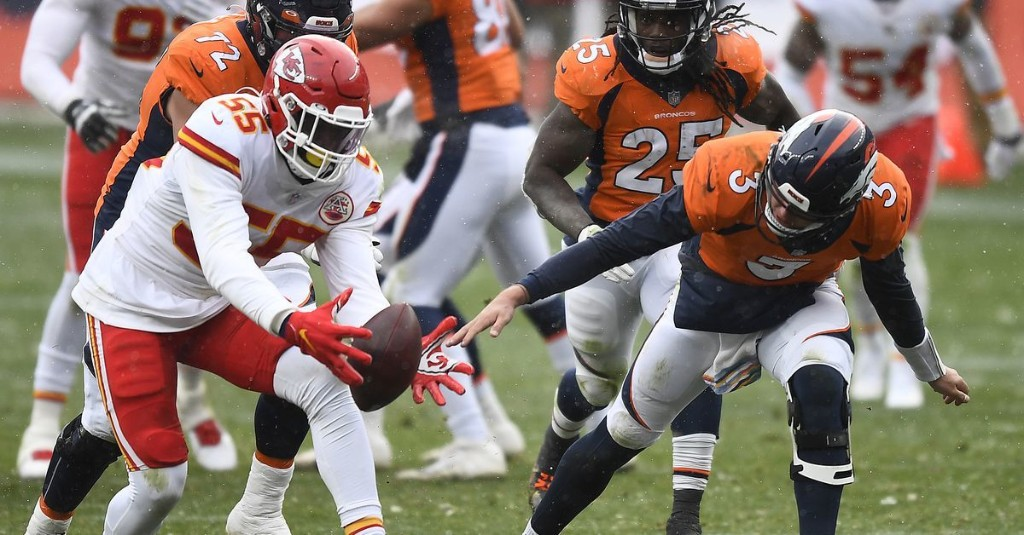 Broncos' miscues on offense and special teams lead to blowout home loss to Chiefs