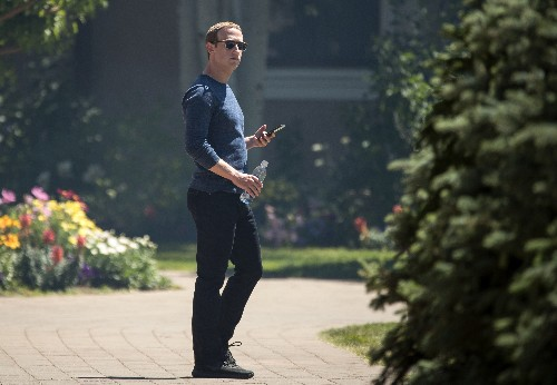 Mark Zuckerberg reportedly ordered all Facebook executives to use Android phones