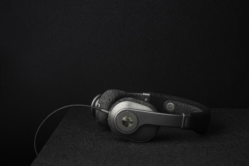 Can headphones train you to focus better?
