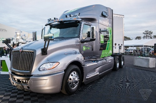 US Postal Service will use autonomous big rigs to ship mail in new test