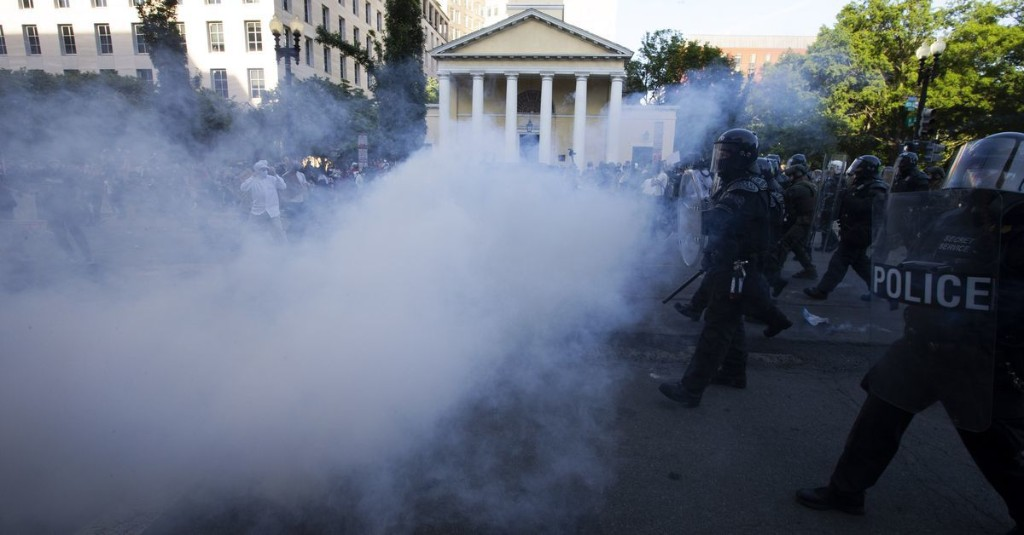 """US Park Police uses """"tear gas"""" in new statement. Earlier, said using term was a """"mistake."""""""
