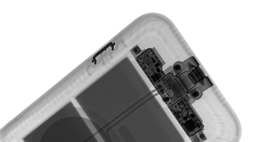 X-rays reveal how the shutter button works on the iPhone Smart Battery Case