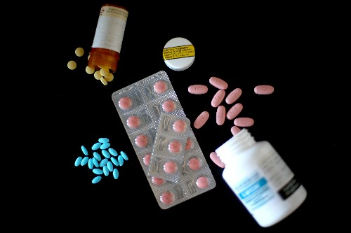 American Medical Association wants to ban ads for prescription drugs