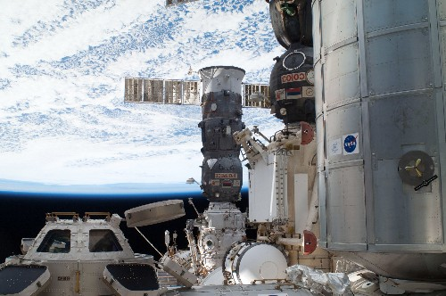 Failed ISS supply spacecraft is falling back to Earth after losing control