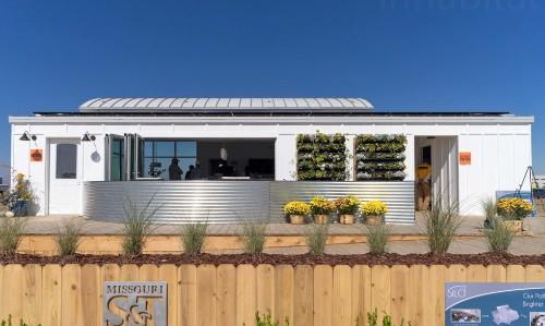 This solar-powered net-zero home is a modern take on the farmhouse