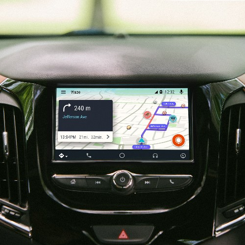 Waze arrives on Android Auto
