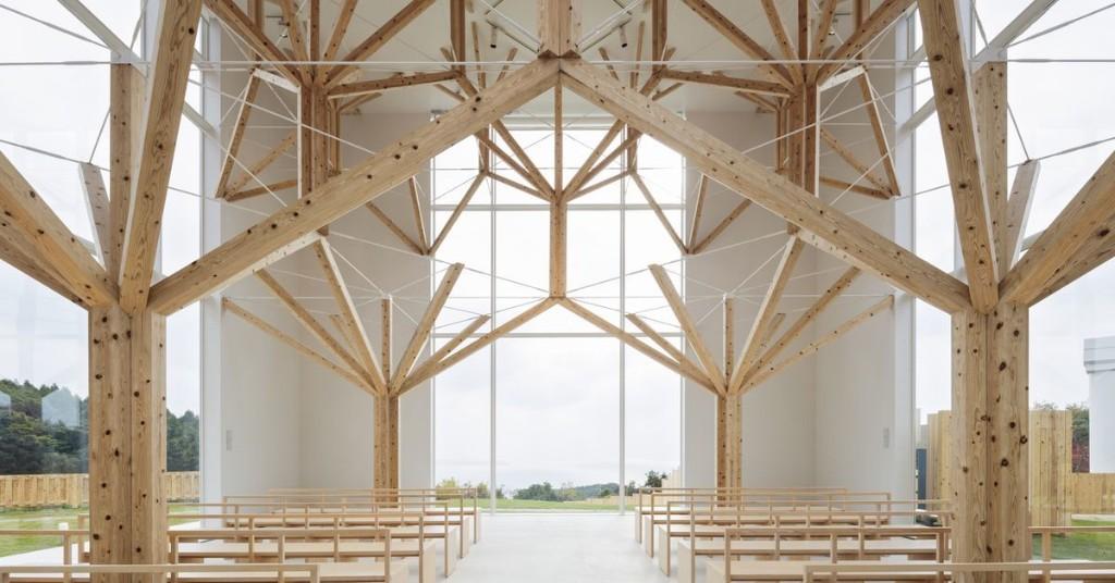 Stunning Japanese chapel showcases tree-like fractal columns