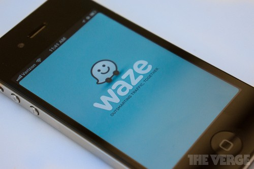 Google's Waze will now help you find the best parking spot