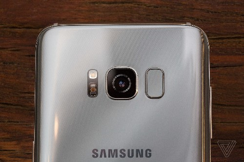 The Galaxy S8's misplaced fingerprint scanner was probably a last-minute change