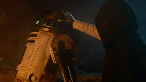 Here's a frame-by-frame look at the new Star Wars trailer