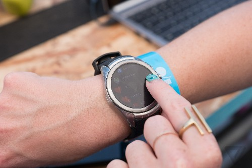Android Wear 2.0 sharpens Google's focus on smartwatches