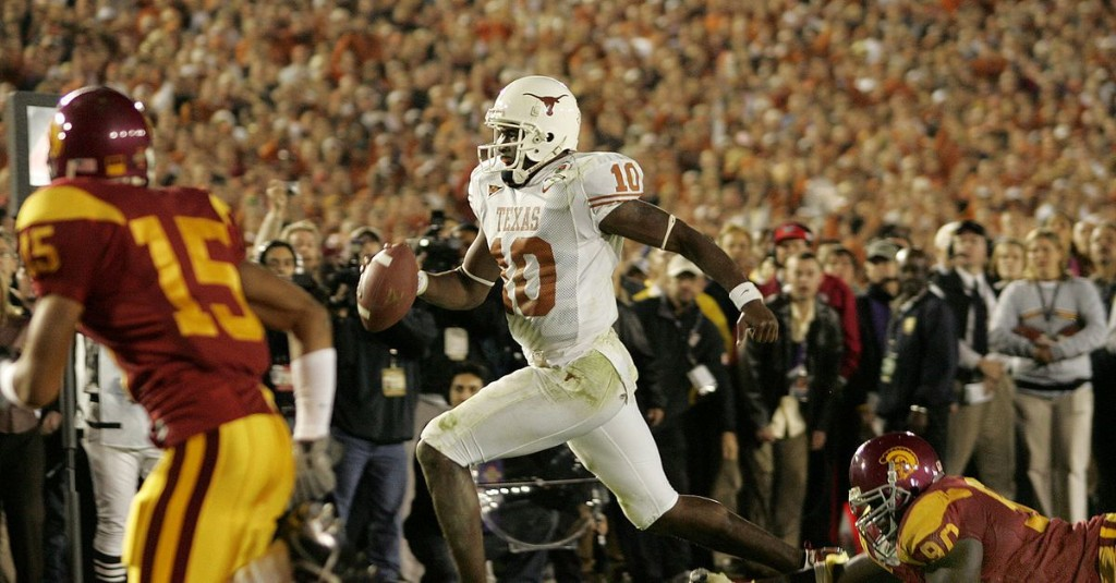 Bevo's Daily Roundup: ESPN ranks Texas Ex Vince Young's Rose Bowl-winning play best in NCAA history
